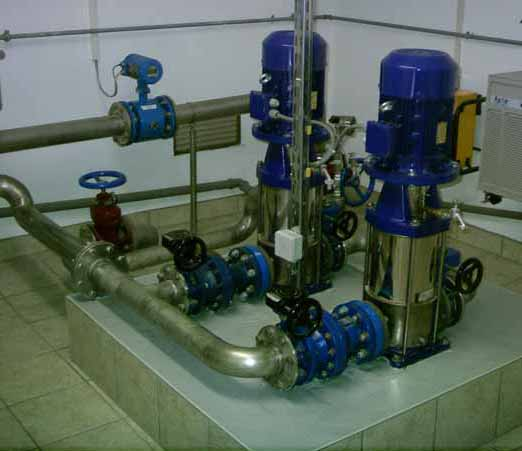 Austausch verzinkter Rohre gegen Stahlrohre und installation von 3 neuen Pumpen